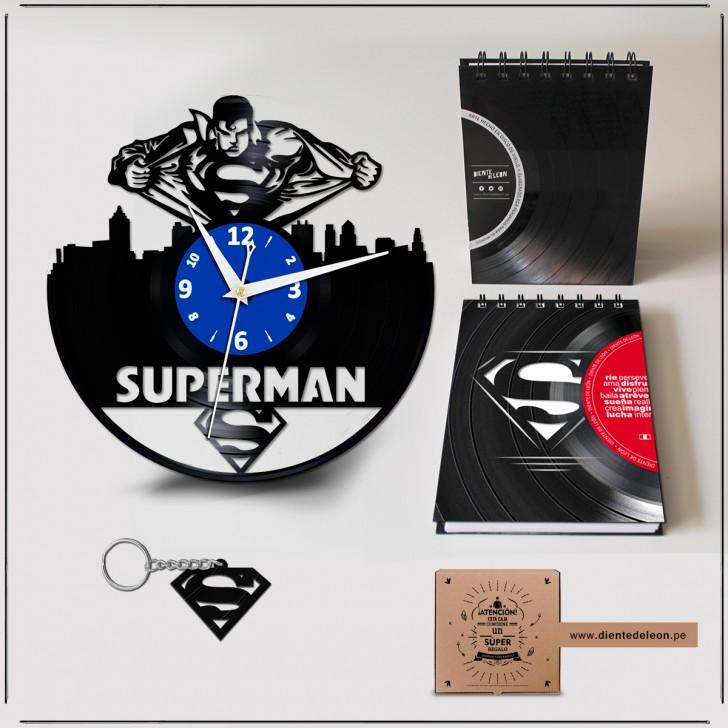 RELOJ + LIBRETA + LLAVERO SUPERMAN
